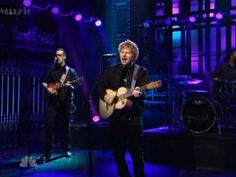 Ed sheeran performs quot sing quot amp debuts quot don t quot on snl watch stoked