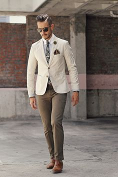 2017 Latest Coat Pant Designs Beige Casual Summer Beach Suits For Men Custom Made Menswear 2 Pieces Slim Fit Jacket+Pants 294 Der Gentleman, Gentleman Style, Mens Fashion Suits, Mens Suits, Olive Chinos, Slim Fit Jackets, Sharp Dressed Man, Jackett, Suit And Tie