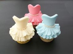 "Cupcakes - ""Look at those! Those are DRESS cupcakes! I like the pink dress cupcake the best. The blue one is like the Cinderella dress. I don't know what the yellow one is. Cupcakes Design, Cupcakes Cool, Beautiful Cupcakes, Dress Cupcakes, Amazing Cupcakes, Wedding Cupcakes, Ladybug Cupcakes, Kitty Cupcakes, Snowman Cupcakes"