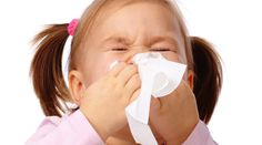 Los resfriados infantiles se contraen por pasar frio? Son ciertas las afirmaciones de las madres? Aclaramos las causas del resfriado infantil