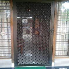 Pintu dan Jendela Teralis merupakan pintu keamanan standard yang dapat dipadukan dengan kasa atau kawat nyamuk magnetik yang memastikan keamanan selama berada di dalam maupun luar ruangan. #pintuteralis #jendelateralis #pintukawatnyamuk #pintukasanyamuk
