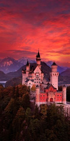 15 Most Beautiful and Best Castles To Visit in Germany for sale) 🔥 - Our World Stuff-- Neuschwanstein Beautiful Castles, Beautiful Buildings, Beautiful World, Beautiful Places, Amazing Places To Visit, Places Around The World, Around The Worlds, Photo Chateau, Places To Travel