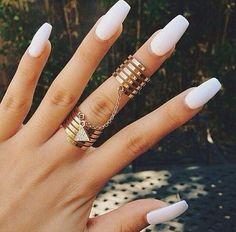 uñas blancas con accesorios Love Nails, Fun Nails, Pretty Nails, Sexy Nails, Chic Nails, Sparkle Nails, Gorgeous Nails, White Manicure, White Nail Art
