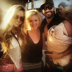 tyler hoechlin and brittany snow. why oh why are you covering up your shirtlessness???