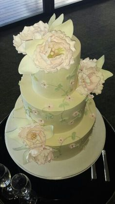 One of the most beautiful wedding cakes I've seen in a long time!
