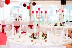 tent wedding - red white ♥ Hochzeit im Zelt in rot und weiss  Foto: AufWolke7, Berlin