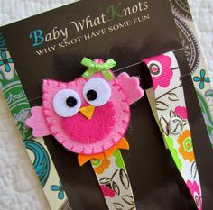 Girl Pacifier Clip Owl Pacifier Clip Flower by babywhatknots Pacifier Holder, Pacifier Clips, Felt Owls, Dummy Clips, Felt Applique, Have Some Fun, Baby Sewing, My Baby Girl, Baby Bibs