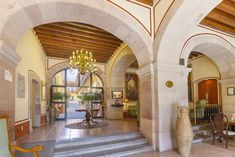 Meson de Jobito offers elegant accommodations in the center of Zacatecas, just 1476 feet from the city's Plaza de Armas. Public Hotel, Colonial Architecture, Horse Stables, Latin America, Mexico, Walking, Horses, The Originals, Building