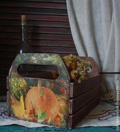 Оттенки осени. Ящик для овощей. Ящик станет отличным украшением вашей кухни. Так же он может служить по прямому назначению: в ящике можно хранить . Ящик выполнен в технике декупаж, покрыт лаком на водной основе.