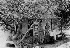 Picture of / about 'Tewantin' Queensland - Elizabeth and Clarence Ross with their five children at Tewantin, Queensland, ca. 1902