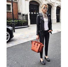 Pin for Later: Gelangweilt von euer Lederjacke? 18 verschiedene Möglichkeiten sie zu stylen Preppy mit Loafer-Schuhen und Schal