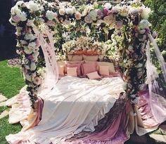 Imagem de flowers, bed, and pink
