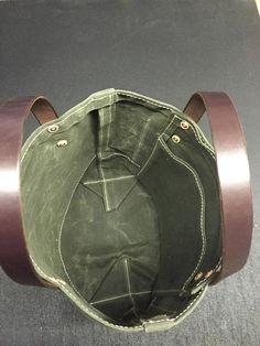 Handmade Waxed Canvas Tote Bag / Waxed Canvas Bags / Carry All Bag Waxed Canvas Bag, Canvas Leather, Canvas Tote Bags, Soft Leather Handbags, Leather Purses, Leather Bags Handmade, Handmade Bags, Etsy Handmade, Carry All Bag