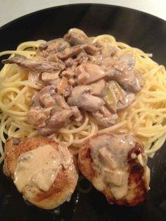 Filet mignon de porc aux champignons Pork Recipes, Cooking Recipes, Food Network Recipes, Healthy Dinner Recipes, Italian Recipes, Easy Meals, Ethnic Recipes, Pan Dulce, Diners
