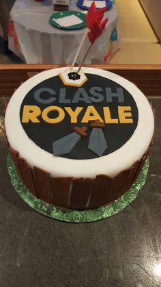 Clash Games provides latest Information and updates about clash of clans, coc updates, clash of phoenix, clash royale and many of your favorite Games Sleepover Birthday Parties, Boy Birthday, Birthday Cake, Royal Cupcakes, Cupcake Cakes, Torta Clash Royale, Royal Party, Chocolate, Party Cakes