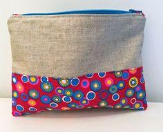 Pochette ou petite trousse en lin enduit et coton pour le maquillage, ou trucs de fille ! : Etuis, mini sacs par just-by-aleth