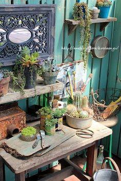 maybe paint side of garage like this. Garden Junk, Garden Pots, Garden Sheds, Rustic Gardens, Outdoor Gardens, Potting Tables, Small Outdoor Spaces, Pot Plante, Natural Garden