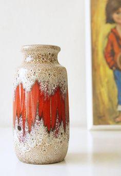 Bekijk dit items in mijn Etsy shop https://www.etsy.com/nl/listing/554006993/vintage-west-germany-vase-scheurich
