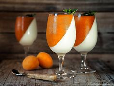 Panna cotta s meruňkami Slovak Recipes, Kefir, Food Inspiration, Mousse, Panna Cotta, Alcoholic Drinks, Cheesecake, Food And Drink, Sweets