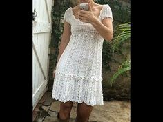 Vanessa Montoro, Vanessa Hudgens, Crochet Art, Crochet Stitches, Crochet Patterns, Short Sleeve Dresses, Dresses With Sleeves, Crochet Videos, Crochet Clothes