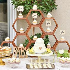Charming Mother-To-Bee Baby Shower {Vintage Style BEE-utifully styled by Joanna Tutwiler of Queen Tut Events & Design, this gorgeous Mother-to-Bee Baby Shower is full of sweet-as-honey touches and Gender Reveal Party Decorations, Baby Gender Reveal Party, Bee Decorations, Twin Gender Reveal, Gender Reveal Themes, Mommy To Bee, Vintage Stil, Style Vintage, Baby Shower Parties