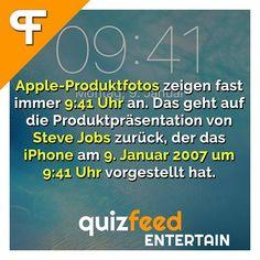 Apple-Produktfotos zeigen fast immer 9:41 Uhr an. Das geht auf die Produktpräsentation von Steve Jobs zurück, der das iPhone am 9.Januar 2007 um 9:41 Uhr vorgestellt hat.