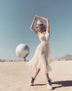 69 Ideas Music Festival Design Inspiration Burning Man For 2019 Burning Man Fashion, Burning Man Outfits, Burning Man Hair, Burning Girl, New Look Fashion, Desert Fashion, Festival Outfits, Festival Fashion, Next Clothes