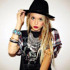 For more Boho, Hippie and Gypsy inspiration follow us HERE!!