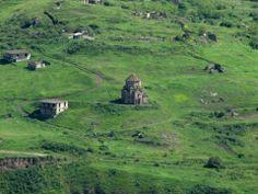 Ոսկեպարի Սուրբ Աստվածածին եկեղեցին ... Տավուշի մարզ, Հայաստան: