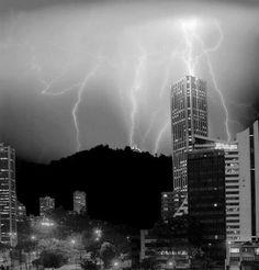 Tempestade em Bogota, Colombia.