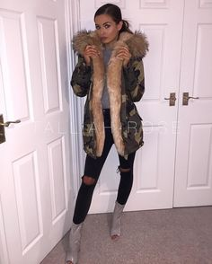 Size 8 & 10 left 🙀 @brionygorton The MISSY luxury faux fur camo coat with extra thick fur hood & lining. £86 - link in bio!!