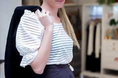 #camisas #blusas #remeras #casiopeaba #floraltshirt #shirts #lovelyblouses   #fashion #style #weddingoutfit #ootd #summeroutfit #floraldress #blouses #shirtoutfit #skirt #wrapskirt #blackskirt #rufflesleeve #blazer #stripes #black&white #outfit #streetstyle