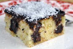 Pudingli Kolay Poke Kek Tarifi Wine Recipes, Food Network Recipes, Fudge, Pudding Cake, Food Is Fuel, Turkish Recipes, Food Truck, Food Pictures, Food Photography