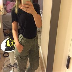 Hollister joggers Brand new they don't really got me they say size 0 on them and I am a 3 and they still don't fit Hollister Pants Track Pants & Joggers