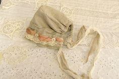 Vintage-style Linen bonnet