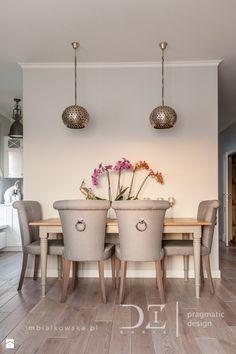 Prowansja na Bartyckiej - Średnia otwarta jadalnia w salonie, styl prowansalski - zdjęcie od Doriz Pragmatic Design