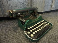 Antique Corona Special Typewriter 1907 Green Mechanical - Folding Beautiful