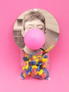 Give someone the gift of bubblegum. | 32 Unexpected Things To Do With Balloons