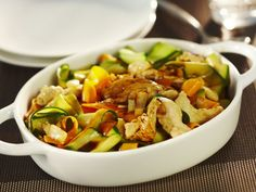 Tagliatelles de carottes, courgettes et aiguillettes de poulet