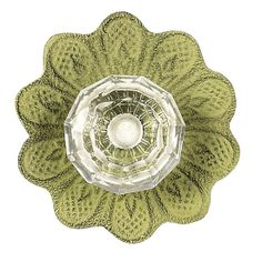 This green knob by Jubilee is etched to create the perfect daisy. The center of this beautiful knob is a dainty, yet charming clear crystal. Cabinet And Drawer Knobs, Dresser Knobs, Cabinet Hardware, Drawer Pulls, Shabby Chic Knobs, Decorative Door Knobs, Golden Pattern, Glass Center, Crystal Knobs