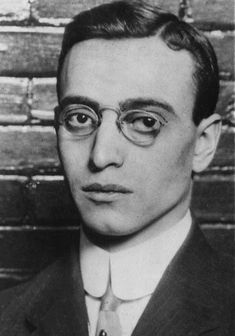 Leo Frank, the pencil-factory manager lynched for the rape-murder of Mary Phagan after being convicted by a jury. Many people who ought to know are sure he was innocent, and was lynched primarily because he was a Jew who had gotten above his station. Fulton County, History Projects, Anne Frank, Atlanta Georgia, Serial Killers, Civil Rights, Confessions, Leo, Mary