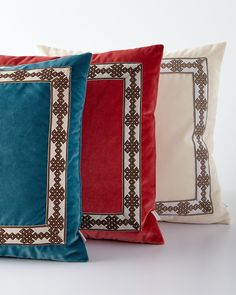 """Velvet Pillow with Border Detail, 22""""Sq., Natural (Offwhite - Lacefield"""