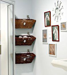 DIY Bathroom Basket Storage | Small Bathroom Decorating Ideas on a Budget