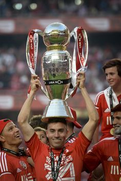 Nicolás Gaitán celebrates Benfica's 34th championship, Saturday 23rd May 2015.