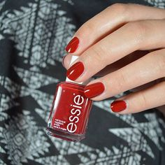 gain instant celebrity with this award-winning, classic creamy essie red polish. this VIP 'a-list' lacquer is more than a brush with fame, it's a nail color star that's here to stay.