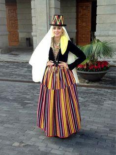 Traje Tradicional de La Esperanza por el Día Insular de la Artesanía. Tenerife