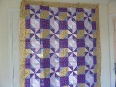 Clays choice quilt  I love the illusion this pattern gives.  Great Tute and great website
