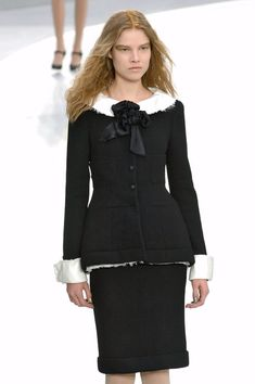 Chanel - Fall 2008 Ready-to-Wear Collection
