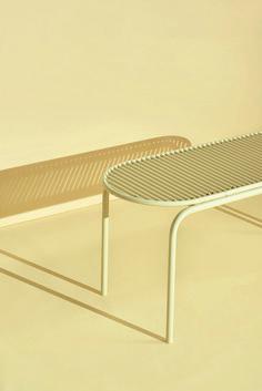Banc ROLL par Verena Hennig / acier et tiges rotatives en aluminium.