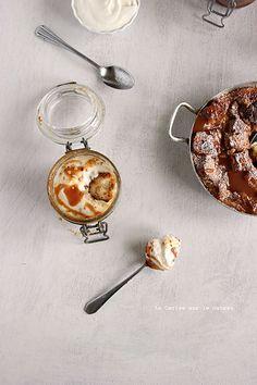 ... bread & butter pudding, sauce caramel et mousse de fromage blanc à la cannelle ...